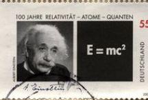 E = mc² / Albert Einstein Naissance : 14 mars 1879 à Ulm (Empire allemand)  Décès : 18 avril 1955 (à 76 ans) à Princeton (États-Unis)  Nationalité : Allemande (1879–1896 et 1919–1933) - Suisse (1901–1955) - Autrichienne (1911–1912) - Américaine (1940–1955) Champs : Physique  Diplômé de l'École polytechnique fédérale de Zurich  Renommé pour : Relativité restreinte, Relativité générale  Distinctions : Prix Nobel de physique (1921), Médaille Copley (1925), Médaille Max-Planck (1929 / by Abdel Ben