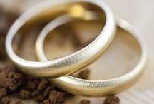 ∞ Alianzas de boda ∞ / Las alianzas de oro amarillo que mostramos se encuentran en el catálogo Argyor de #alianzasdeboda, si bien en este tablero no se encuentra el 100% de los diseños disponibles, ¡pásate por argyor.com para verlas todas!