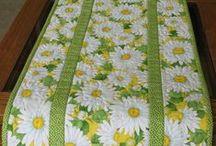 Table runner patchwork / Текстильные салфетки в стиле пэчворк.