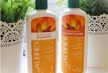 Aubrey-Organic shampoos and conditioners / Aubrey luonnonmukaiset shampoot ja hoitoaineet valmistetaan vain luonnon ja luomu raaka-aineista, ne puhdistavat ja hoitavat hiuksia hellävaraisesti. Silokonittomat, parabeenittomat ja ympäristöystävälliset eläinkokeettomat tuotteet yli 45 vuoden kokemuksella. Laajasta valikoimasta löydät sopivat tuotteet kaikille hiustyypeille.