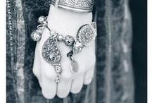 Armenian accessoires / Traditional and ancient Armenian jewelry and accessoires.