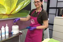 Maria Ekholmin luonnonmukainen kauneushoitola Klaukkalassa / Maria Ekholmin luonnonmukainen kauneushoitola toimii kampaamo BoBo yhteydessä. Viihtyisässä hoitolassa saa tehokkaita ja lempeitä luonnonmukaisia hoitoja päästä varpaisiin. Mukaan saa ostaa luonnonkosmetiikatuotteita kotihoitoon. Tuotevalikoimassa #Aubrey tuotteiden lisäksi Atelier, Argital, EcoDell ja muita sertifioituja sarjoja.