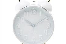 Pendule, réveil, horloge, RDV, l'heure du thé, il est grand temps de partir !!!! / Nous passons notre temps à courir après lui... Je rêve d'une vie où le temps ne serait régi que par le soleil, mes envies, le sommeil ! / by Isabelle LN