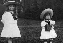 1900-luvun alun tyttöjen vaatteita