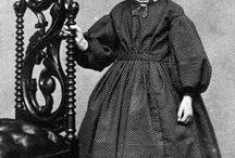 1800-luvun puolivälin tyttöjen vaatteita