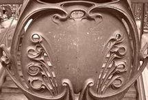 Paris Art Nouveau / I'm obsessed with Art Nouveau, and Paris has a huge supply.