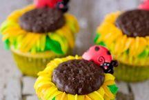 Cupcakes / by Karen Collins