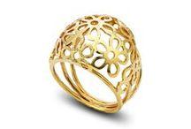 Δαχτυλίδια / Βρείτε στο κατάστημα Alexander Gold τη μεγαλύτερη συλλογή από χρυσά δαχτυλίδια και μονόπτερα.