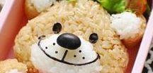 Rijstlunches * Onigiri / Inspiratie, tips, ideëen, advies voor leuke lunches met rijst. De Japanners zijn hier heel bedreven in! De onigiri rijstvormen zijn te koop in onze webshop www.deleukstelunch.nl.  De vormen kun je  ook gebruiken voor aardappelpuree of een andere gezonde groentepuree. Leuk voor op het bord of om mee te geven naar school of het kinderdagverblijf. Geef je kind een gezonde en gevarieerde lunch mee in de broodtrommel, lunchtrommel bento box.