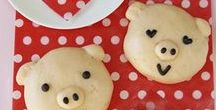 Leuke broodjes / Tips, inspiratie, recepten en ideëen voor hartige en zoete broodjes. Maak ze zelf van brooddeeg of bladerdeeg. In leuke vormen en figuurtjes. Gezellig broodjes bakken met de kinderen. Om mee te nemen voor de lunch op school in de broodtrommel, lunchtrommel, bento box of lunchbox. Belegde broodjes, gevulde broodjes, zachte broodjes, luxe broodjes. Leuk voor een feestelijk ontbijt, lunch, brunch of picknick. bananenbrood.