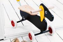 Wood Toys / Holz-Spielsachen