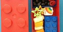 LEGO lunch bento / Geef eetbare lego mee als lunch. Maak zelf lego steentjes, lego blokjes van brood,  kaas, groente of fruit. Geef een gezonde en gevarieerde lunch mee in de broodtrommel, lunchtrommel, lunchbox of bento box. Lego: het favoriete speelgoed van kinderen, leuk als lunch. Ook leuk voor een kinderfeestje met het thema lego. Of als traktatie op school