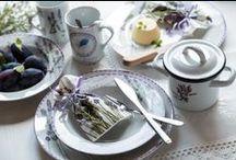 Vůně levandule / Máte rádi Provence? Nekonečná fialová pole s opojnou vůní levandule? Přineste si kousek tohoto nádherného romantického koutu světa domů.