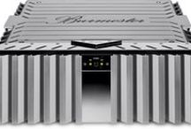 Burmester Top Line / Burmester's Top Line has many technical similarities with the Reference Line, however, in a more compact design. The perfect fusion of sound and design has given this line iconic status which is reflected in audio reviews all over the world.