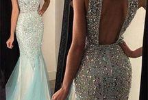 Dresses/ball/prom