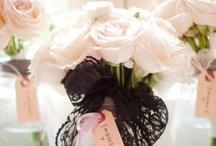 Wedding Bouquets Classic White / by Kaitlin Kozlowski