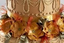 Wedding Cake Gold & Silver
