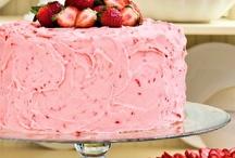 Strawberry & Rasberry Cakes / by Diana Marie