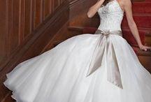 Wedding Bridal Gown Princess / by Kaitlin Kozlowski