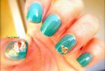 J'aime le vert ! / Le vert, c'est ma couleur ! celle qui me fait craquer, fondre, espérer !!! Alors, je l'utilise  et j'en abuse sur mes ongles !!