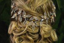 Peças Únicas - Coleção Mon Destin / Peças únicas: acessórios para cabelo. Para comprar acesse nosso site e confira mais detalhes das peças: www.bellamelie.com