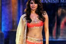 Bollywood Fashion / Latest trends of clothing, accessories, looks, of Celebrities of Boollywood