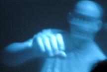 Dissolvenza / La dissolvenza è uno dei segni di interpunzione del linguaggio cinematografico o televisivo e sta ad indicare la fine di una scena o di una sequenza. Il suo opposto è l'assolvenza, posta all'inizio di una sequenza