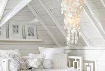 White shades of white / White interior