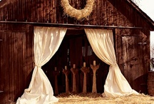 Rustic Wedding Inspirations / Living in the country, I am quite passionate about rustic and country inspired wedding themes.  I love the old barn board wood and the incorporation of nature that make up a country wedding.