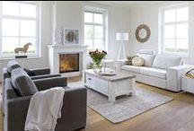 """Wooncollectie Istonia/Istrana / Deze stoere en eigentijdse wooncollectie is gemaakt van Acacia houd in de kleur old java grey in combinatie met wit gelakte fronten! Het warme van """"landelijk"""" in een modern jasje!"""