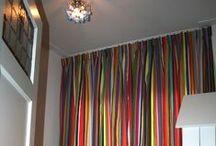 kleurrijke gordijnen / mooie, vrolijk gekleurde gordijnen met kleurmeester stoffen.