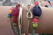 Sieraden maken / Zelf een mooi sieraad gemaakt of gewoon iets heel gaafs gezien op sieraden gebied? Deel het hier! | www.bykaro.nl voor kralen, bedels en meer...