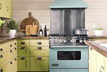 Kitchen Makeovers & Decor