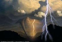 Wetterphänomene / Stürme, Blitze, Wolken