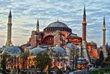 Stamboul / Ana gibi yar olmaz, İstanbul gibi diyar; Güleni şöyle dursun ağlayanı bahtiyar.. Gecesi sümbül kokan Türkçesi bülbül kokan, ~ İ S T A N B U L ~                                                     N.F.K