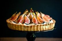 Mouthwatering Meals & Hors d'oeuvres for Events / Delectable delicacies like hors d'oeuvres, finger foods, main courses and savory snacks that will delight guests at holiday parties, weddings, and dinner parties.