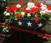 Patriotic 4th of July ideas / Bright, festive Patriotic 4th of July decorations to add to your outdoor holiday decor.