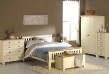 New England Ivory Collection / The New England Ivory collection features stunning 'Modern Shaker' style bedroom furniture in an ivory painted finish. This range is exceptionally affordable thanks to the combined of solid pine frames, with painted pine panels and complementary solid ash tops. This collection is stylish, practical and crafted to an outstanding build quality. http://hampshirefurniture.co.uk/collections/new-england-ivory-collection