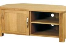 Modern Chunky Oak Collection / Thanks to a bit of fancy footwork by some rather clever furniture designers, this collection brings you the great looks of solid oak at unbeatable prices. These pieces include the judicious use of oak veneers on the larger furniture surfaces, with a solid oak frame. This saves on costs without compromising on style and quality. http://hampshirefurniture.co.uk/collections/modern-chunky-oak-collection
