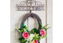 Flags On A Stick - Wreaths (some DIY!) / Easy DIY wreaths to dress up your front entrance. Fall in love with these gorgeous wreaths to update your outdoor decor.