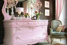 La décoration / Very different types of decoration, such as furniture.