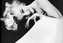 Marylin Monroe / Photos de Marilyn Monroe dans toute sa sensualité... Qui a dit qu'il fallait faire un 34 pour être glamour ??