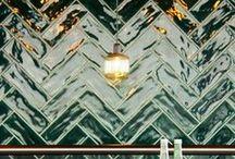 INSPIRATIE {tiles} / Inspiratie nodig op het gebied van tegels? Dan is dit bord wat voor jou! Tegels zijn allang niet meer zo oudbollig als men soms denkt. Er zijn vele mogelijkheden in kleur, maten en patronen. Behoefte aan een adviserend gesprek of een brainstorm sessie op een inspirerende locatie? www.gz.nl/contact