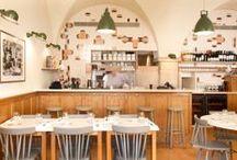 comer fora / Um blogue de um casal que faz críticas mistério de restaurantes.