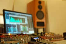 Mastering Studio / Red Mastering Studio is an online mastering studio providing professional audio mastering services.
