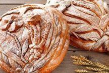Leivät / Maukkaat, uunituoreet leivät maistuvat ihanalta sellaisenaan tai voisipaisun kera.