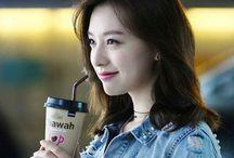 Kim Ji Won / Kim Ji Wonの熱狂的FANによるFANのためのFANボード
