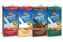 Almond Breeze Almond Milk / What can we get for you; Original, Unsweetened or Chocolate Almond Breeze almond milk? All three are sold in Coles supermarkets across Australia now, hoorah! #almondmilk #almondbreeze #Australia #healthy #vegan #dairyfree #cholesterolfree