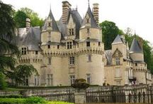 ZAMKI i PAŁACE / Beautiful reach architecture of Chateaus, Palaces and Castles of the World.