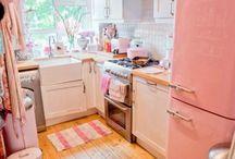 Küche / Alles zum Thema Küche. Ideen für die Einrichtung der perfekten Küche. Egal, ob im modern, im Landhaus Stil oder skandinavisches Wohnen. Hier ist für jeden etwas dabei. Küche renovieren und gestalten leicht gemacht. #küche